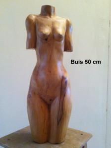4 Buste de femme (Buis)